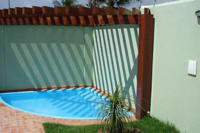 Piscinas pequeas piscinas cuadradas piscina pequena de for Modelos de piscinas cuadradas
